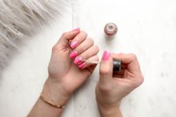 Top tips for taking care of your acrylic nails